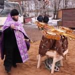 Фото 2. Освящение креста в Серафимовском храме г. Хотьково