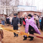 Фото 5. Освящение креста в Серафимовском храме г. Хотьково